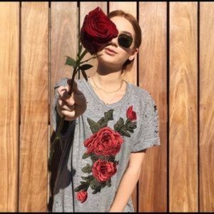 LF Emma & Sam Distressed Rose Tee Grey XS NWT